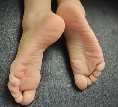 Foot fetish toy