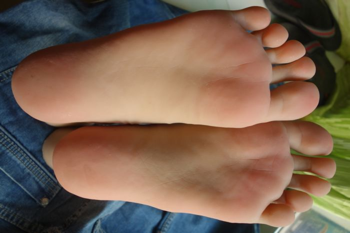 boy feet fetish