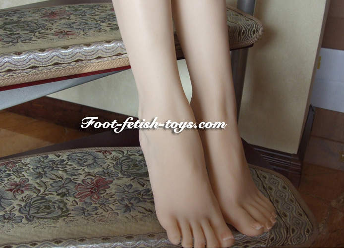 girl foot fetish