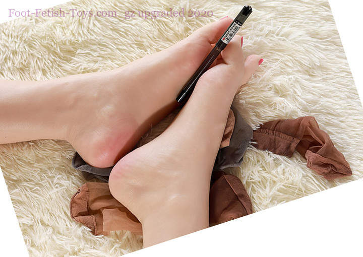 Realistic silicone foot