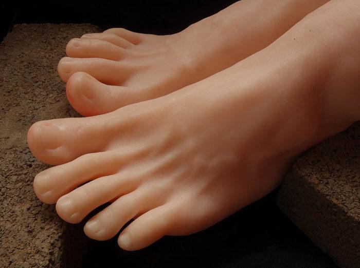 boy foot model