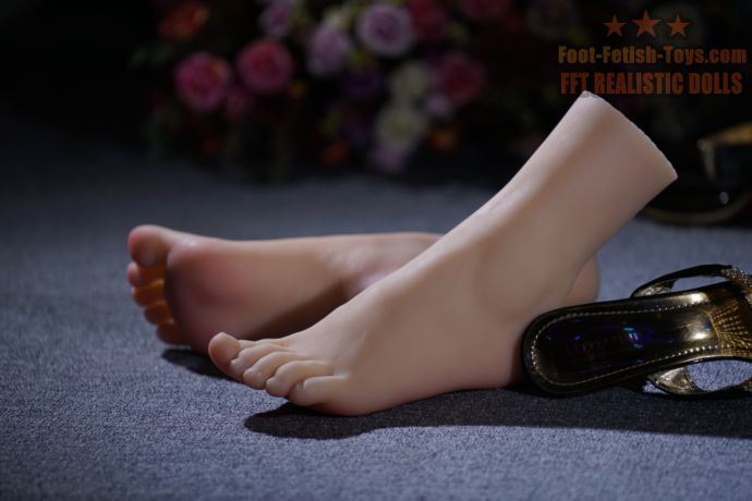 girl foot lover