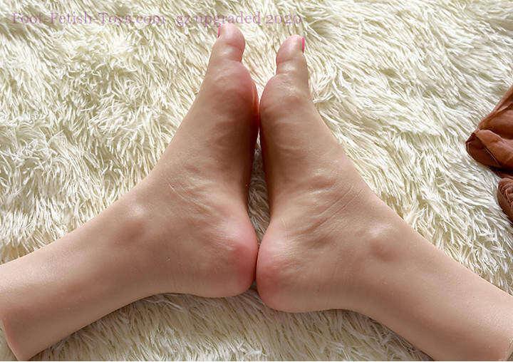 Feet fetish toy